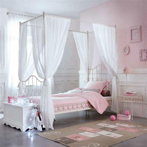 idée déco chambre bébé garçon pas cher le lit baldaquin enfant comment faire la déco pour la