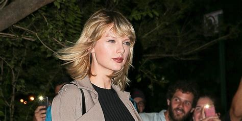 Taylor Swift Shows Off Her Mile-Long Legs on a Girls ...