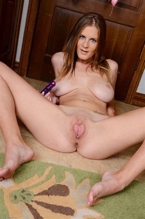 Olivia Blu Spreading Legs Showing Pussy Rodman