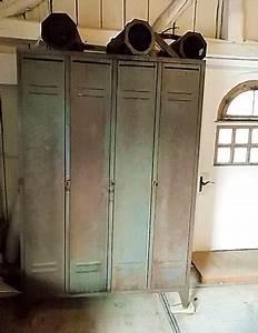 Kleiderschrank Industrial Design : antiquit ten spind kleiderschrank metallspind industrial design vintage shabby chic ~ Markanthonyermac.com Haus und Dekorationen