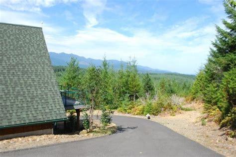 tiny cabin    car garage  breathtaking views  sale
