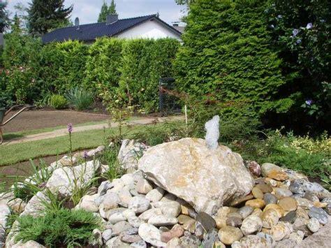 Wasserspiele Im Garten  Nowaday Garden