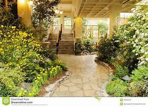 Jardin D Interieur : jardin d 39 int rieur photo stock image 12994410 ~ Dode.kayakingforconservation.com Idées de Décoration