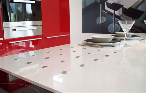 plan de travail cuisine quartz blanc cuisine marbrerie décoration plan de travail quartz granit