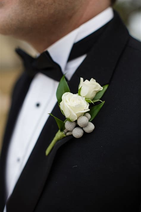 rose  brunia berry boutonniere