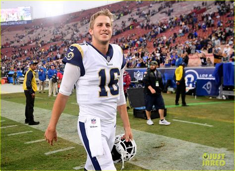 jared goff single heres  la rams starting qb