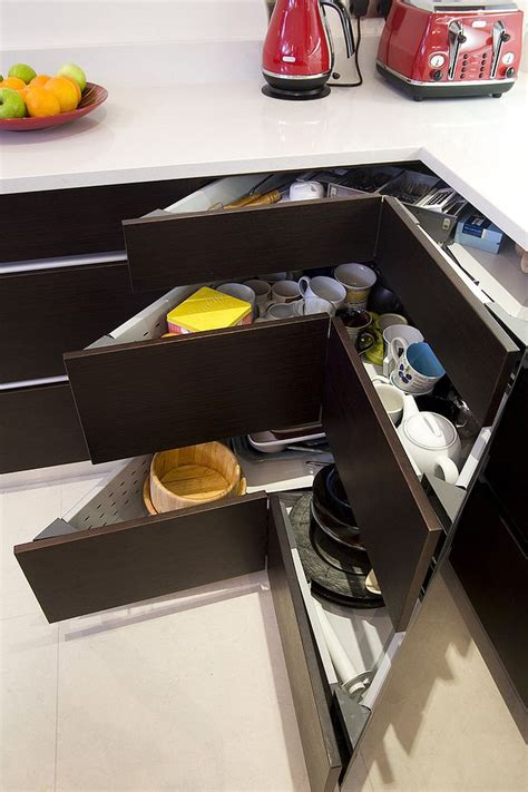 drawers in kitchen cabinets 30 corner drawers and storage solutions for the modern kitchen 6958