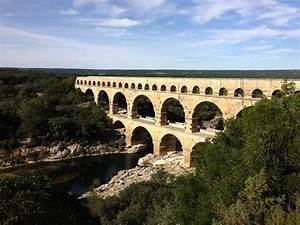 A Roman aqueduct and the teaching of history ...