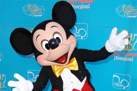 Mickey's 90th Spectacular Live Stream