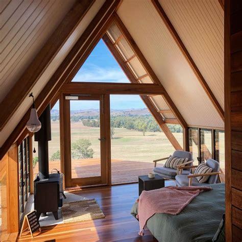 fergos eco hut  kimo estate australian  grid cabin   modern cabin eco cabin