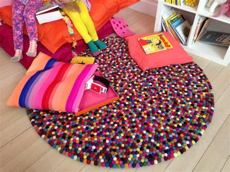 tapis rond chambre fille un tapis pour la chambre des enfants