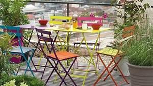 salon de jardin colore With idees deco jardin exterieur 13 amadera lincontournable de la decoration de jardin le