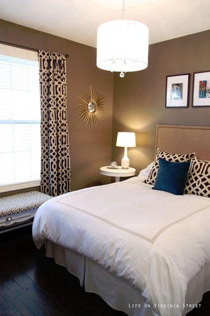 mocha bedroom ideas  pinterest spare room decor college bedroom decor  white