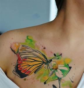 Tattoos Frauen Schulter : 30 blumen tattoo motive im trendigen wasserfarben look ~ Frokenaadalensverden.com Haus und Dekorationen