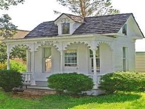 Tiny Romantic Cottage House Plan Victorian