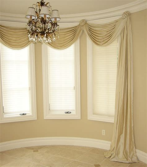 valances swags traditional dining room new york