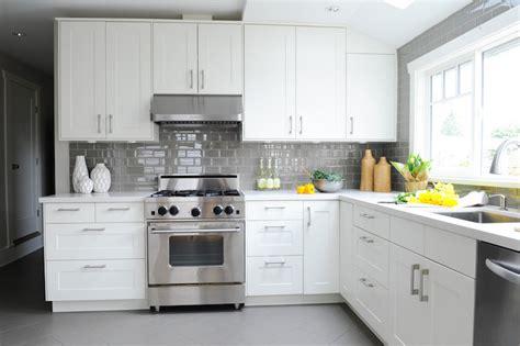 kitchen backsplash height whitewash brick backsplash 3 white kitchen cabinets