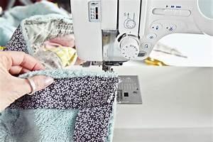 Decke Selber Nähen : triangle baby quilt n h anleitung babydecke mit dreieck ~ Lizthompson.info Haus und Dekorationen