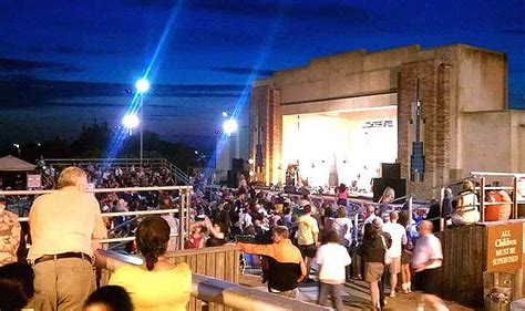 jones beach bandshells  summer concert series