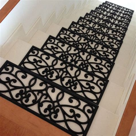 """""""New Amsterdam"""" Rubber Stair Treads"""