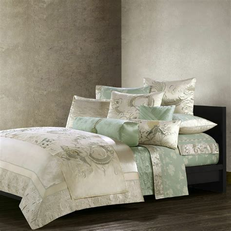 Coverlet Sets Australia by How To Buy A Silk Quilt Cover On A Budget
