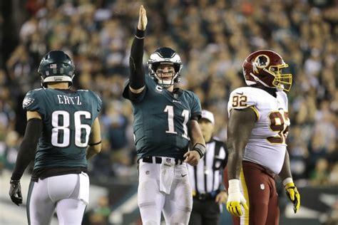 carson wentz tosses  touchdowns eagles beat redskins