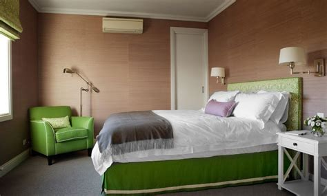 Bedroom Decorating Ideas Green Walls by Green Bedroom Furniture Brown Walls Home Decorating