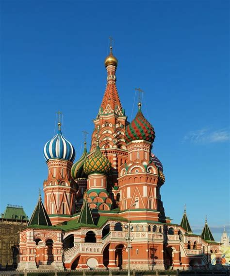 10 Famous Buildings That You Absolutely Must See