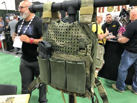 snake eater tactical set rifle armor plate carrier  patent pending grid mounting system
