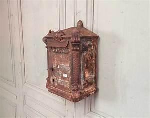 Boite Aux Lettres Vintage : ancienne boite aux lettres en fonte delachanal ~ Teatrodelosmanantiales.com Idées de Décoration