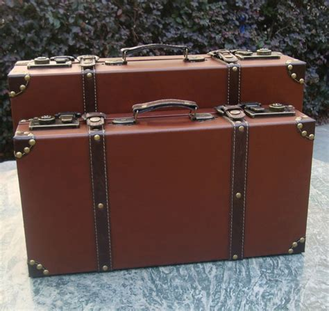 Men Vintage Style Wooden Brief Case Magic Case Film