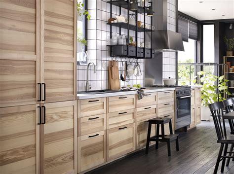 alerte en cuisine alerte tendance du bois et rien que du bois chez moi