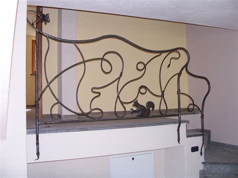 ringhiera in ferro battuto per scale interne ringhiere per scale interne scale della corte con