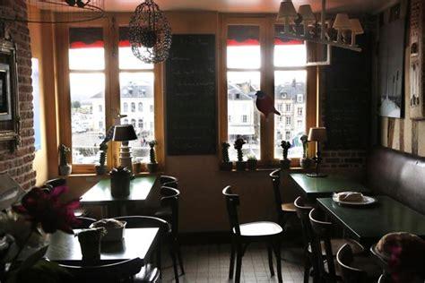 bistrot du port honfleur bistro des artistes restaurant honfleur le bistrot d restaurants