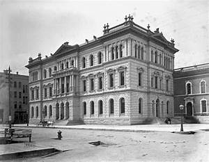 Cook County Courthouse During the 1920s