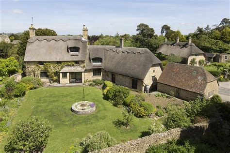 Top 10 Thatched Cottages Zoopla