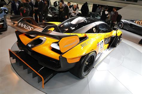 Mclaren Senna Gtr Vs Aston Martin Valkyrie Amr Pro Le
