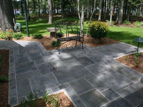 laying patio flagstone patio
