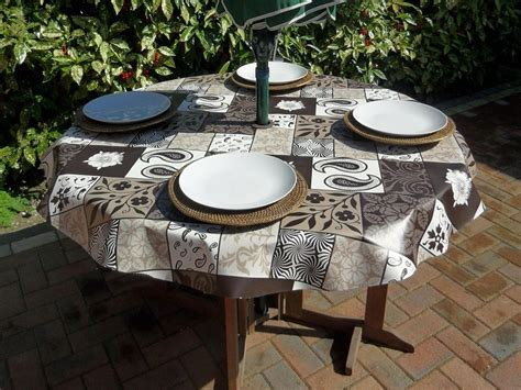 Patio Tablecloth With Umbrella by Outdoor Vinyl Patio Tablecloth With Umbrella Patio