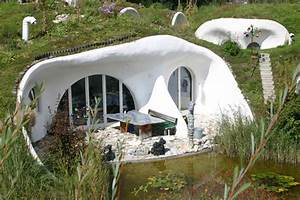 10 Heavenly Hobbit Holes We'd Like to Call Home – Flavorwire