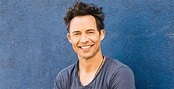 Tom Cavanagh Biography - Facts, Childhood, Family Life of ...