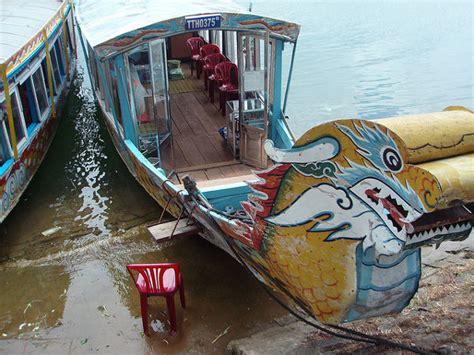 la pagoda de thien  en hue viajes  vietnam el pachinko