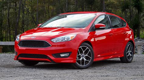 ford focus hatchback driven review top speed
