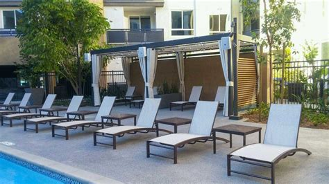 wire retractable awnings custom   awning company