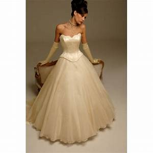 Basque waist wedding dresses: Pictures ideas, Guide to ...