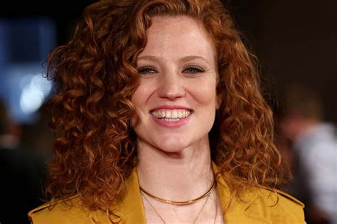 Jess Glynne Peace Plan For Arsenal Wenger And Chelsea