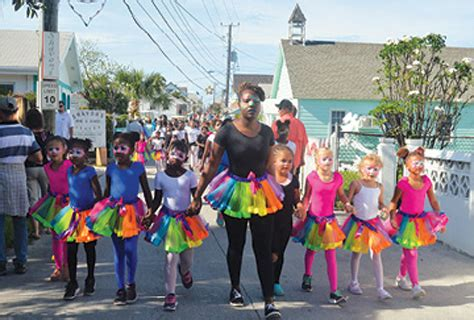 gtc hosted   visitors   years day junkanoo