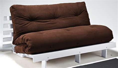 canapé futon pas cher 12 canapés futons à moins de 200 euros