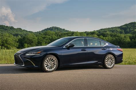 Lexus Es Photo by Photo Gallery The 2019 Lexus Es 300h In Four Exterior