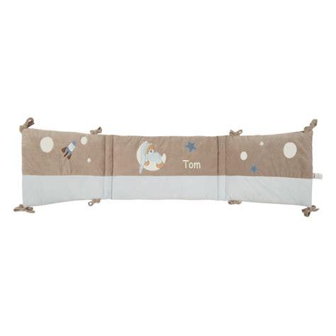 tour de lit personnalise prenom joli cadeau id 233 e cadeau naissance tour de lit petit ours bleu pr 233 nom